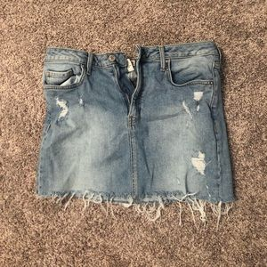 Forever 21 Frayed Denim Skirt (31)